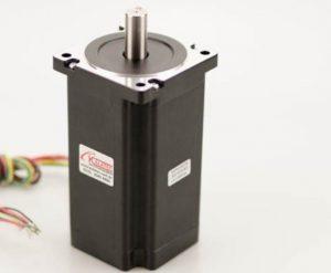 Como escolher um motor de passo para utilizar em máquinas rotuladoras?
